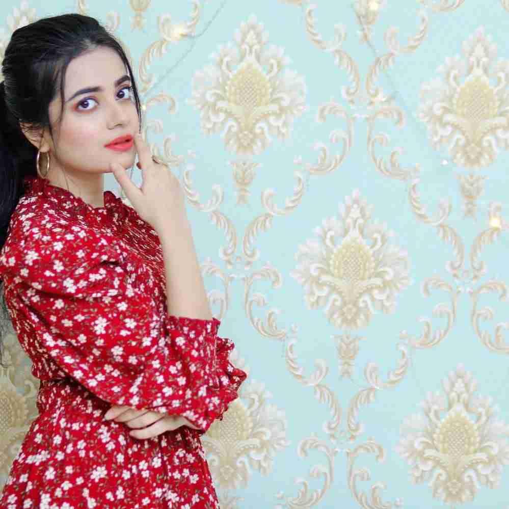 kompal-iqbal-dress