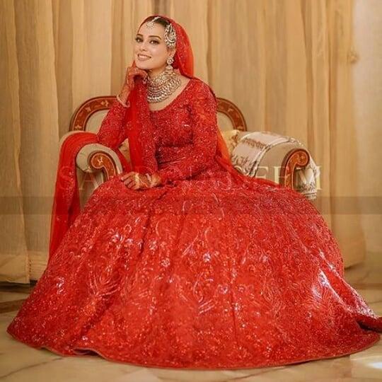 Iqra Aziz bridal look