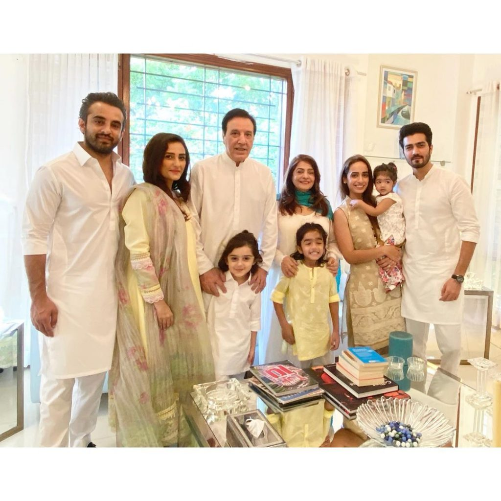 momal-sheikh-family-pics
