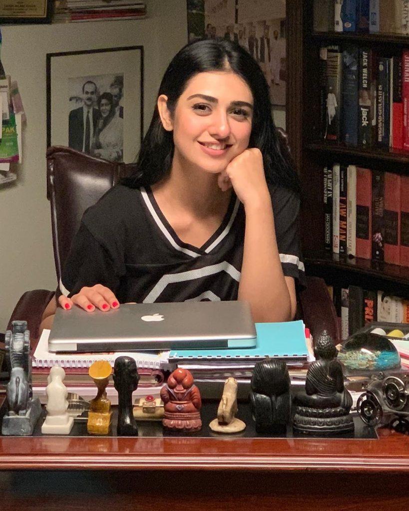 sarah-khan-pakistani-actress-latest-photo