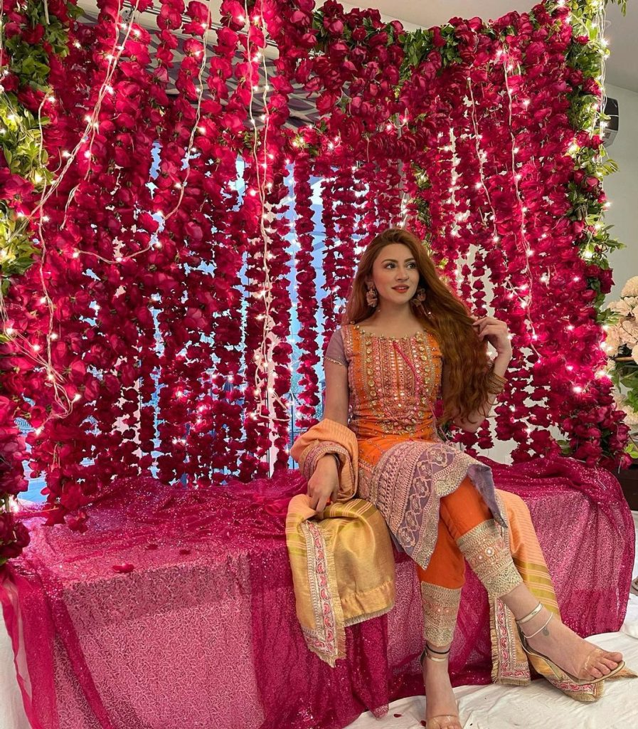 aqsa khan at fiza khawar wedding