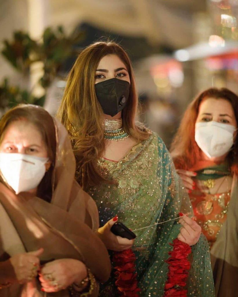 naimal khawar khan wear mask in fiza khawar wedding