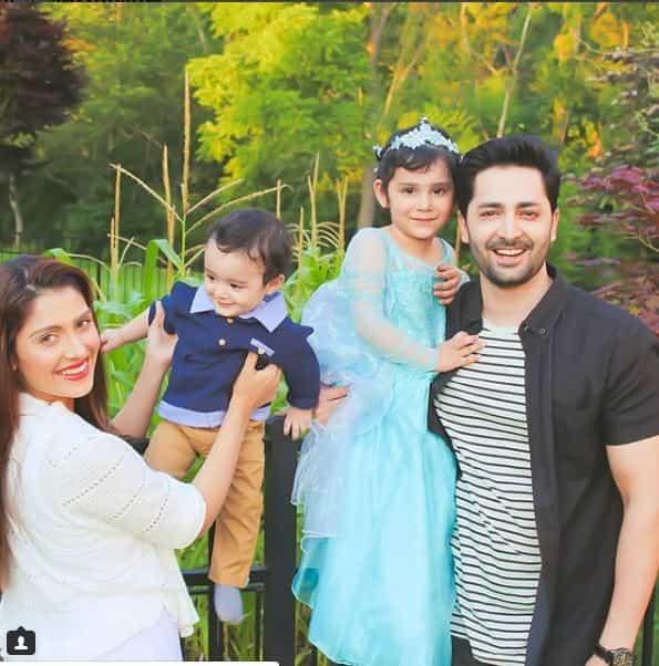 ayeza khan family pic