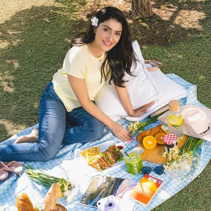 birthday pictures of ayeza khan