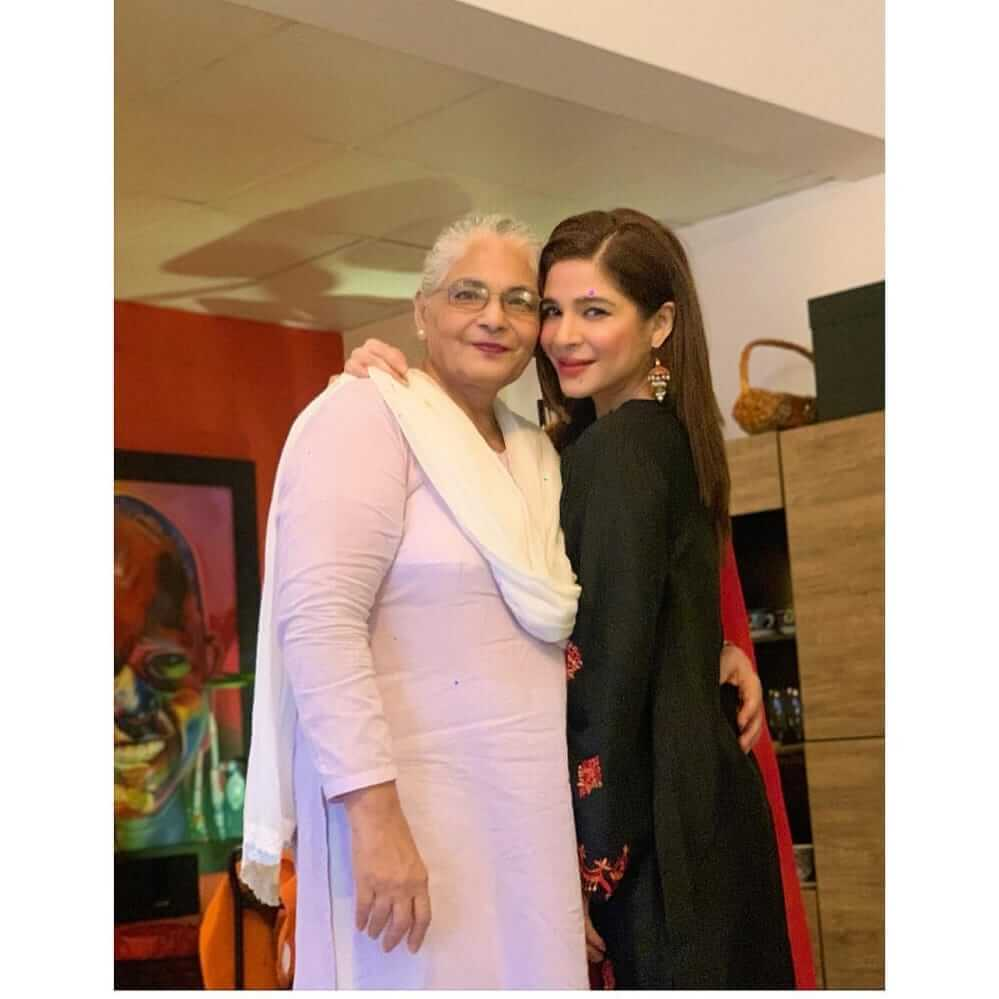 meet ayesha omar mother