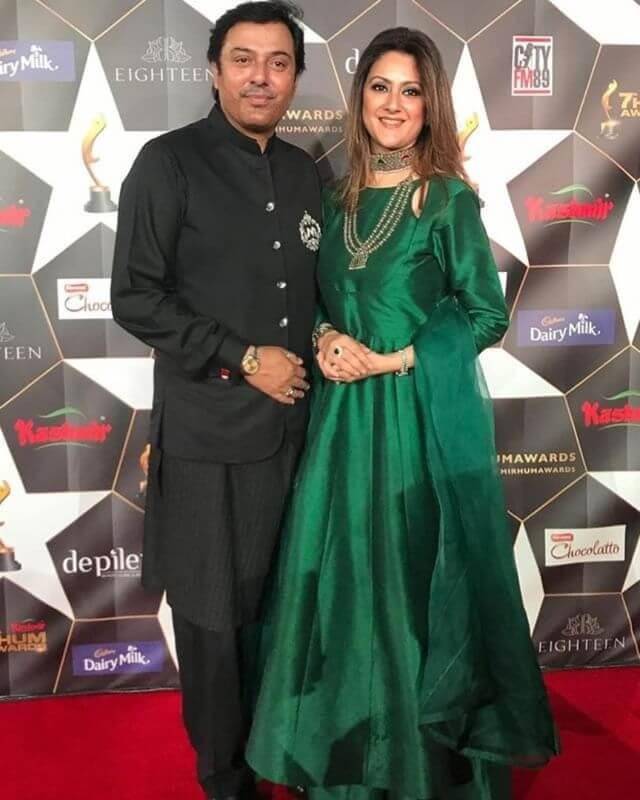 noman ijaz with his wife