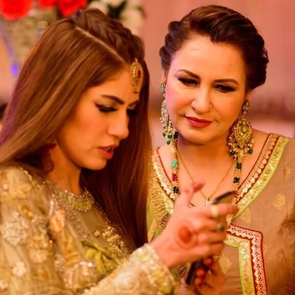 saba faisal with her daughter sadia faisal
