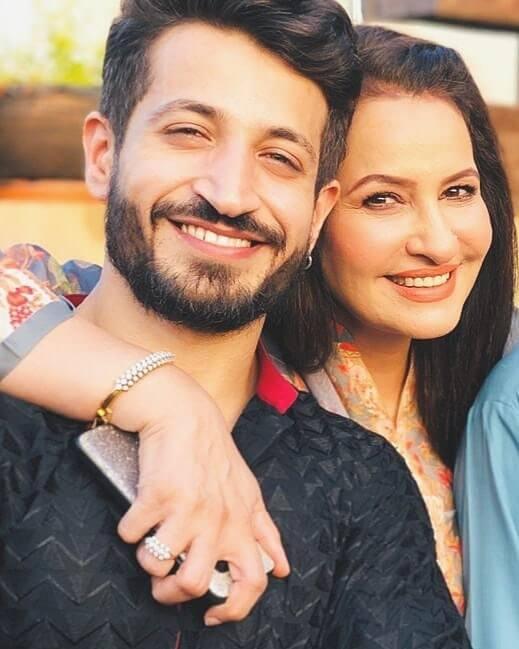 saba faisal with her son arslan faisal
