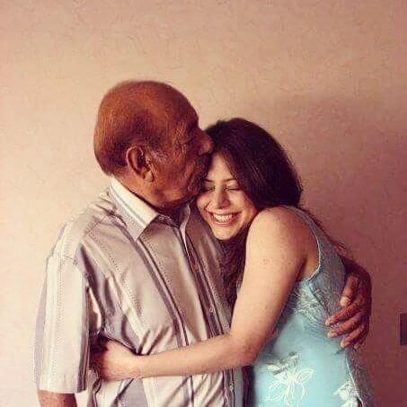 uzma hassan with her beloved father