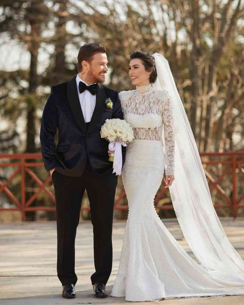 Burcu Kıratlı Wedding Pics