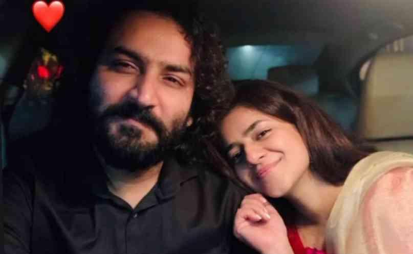 Qasim-Ali-Mureed-with-his-2nd-wife