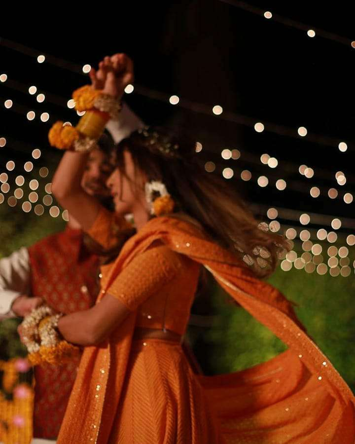 amna jung and fahad sultan dance on their rasm e mehndi