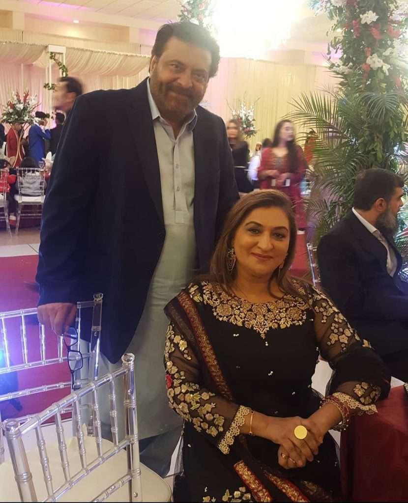 shabir jan and fareeda shabbir in a wedding