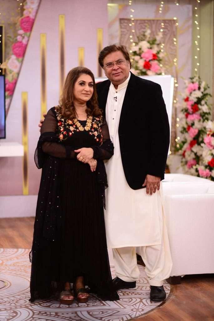 shabir jan with his wife