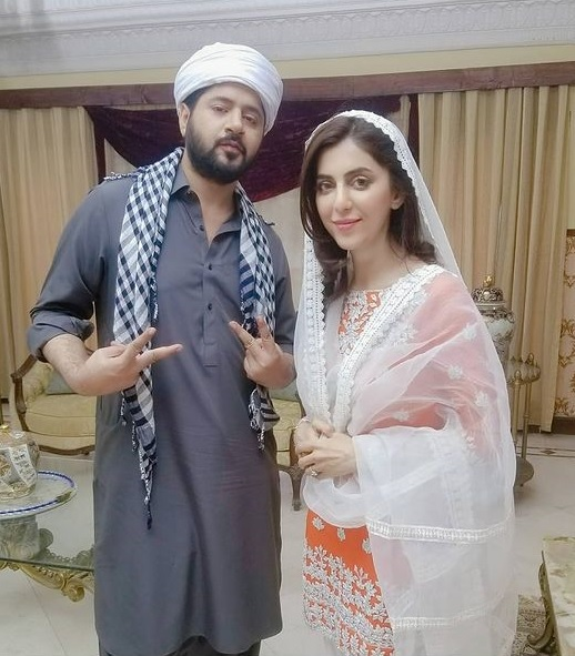 Fariya Hassan as Sitara working in drama raqs e bismil