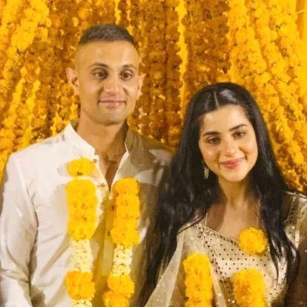 Sohai Ali Abro's husband's name is Shehzar Mohammad.