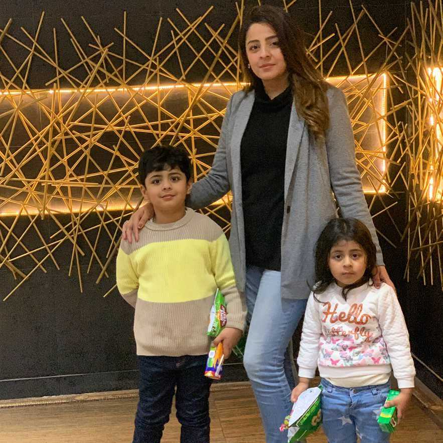 fatima sohail sister with her kids