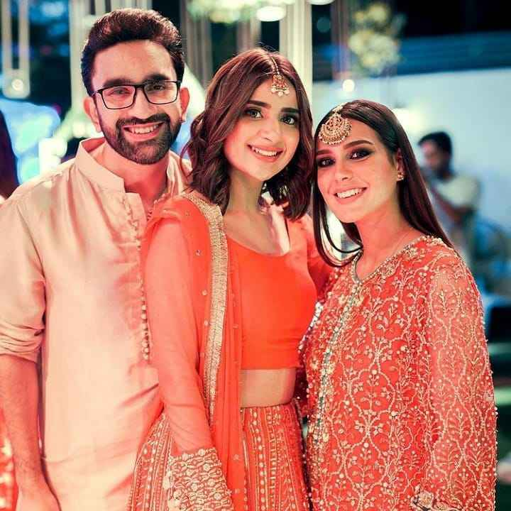 iqra aziz and yasir hussain (1)