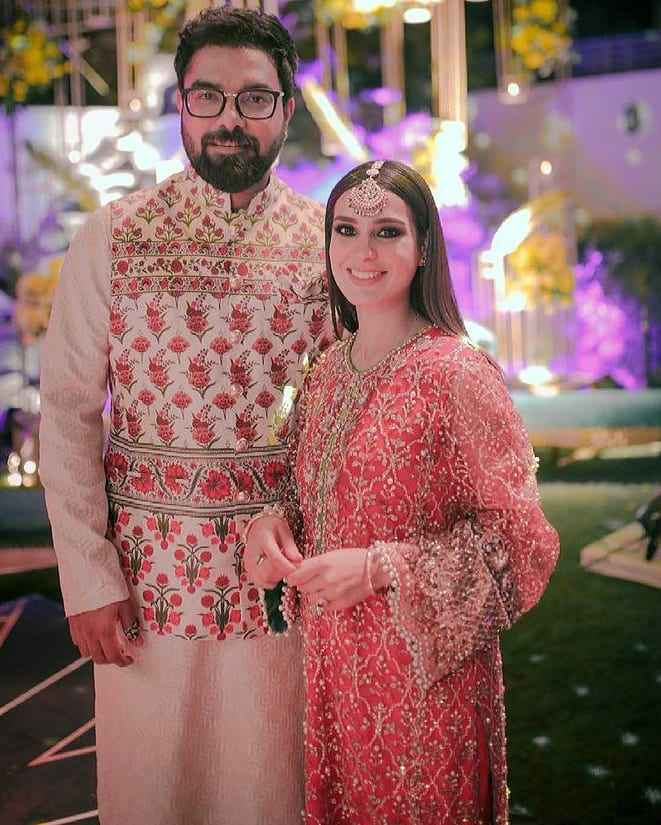 iqra aziz and yasir hussain (8)