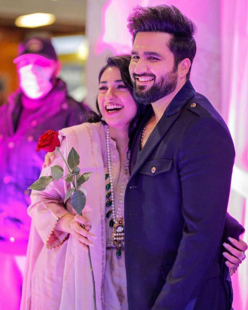sarah khan with her husband