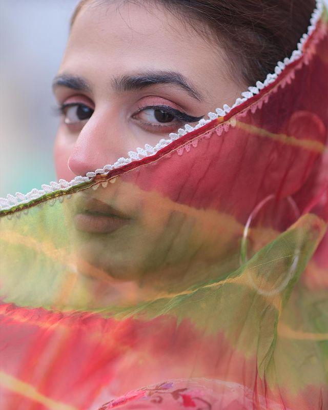 Hira-mani-latest-pics-in-hijab (7)