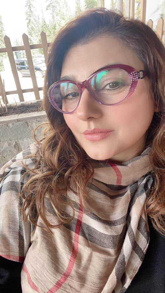 Javeria Saud new hairstyle (10)