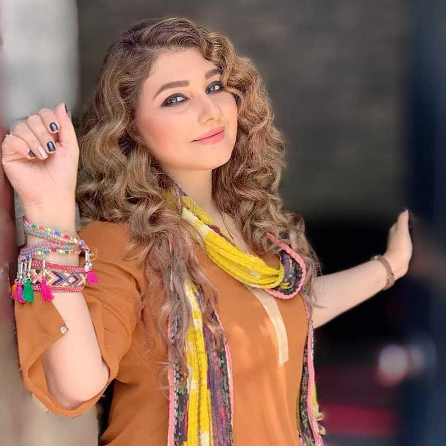 Javeria Saud new hairstyle (4)