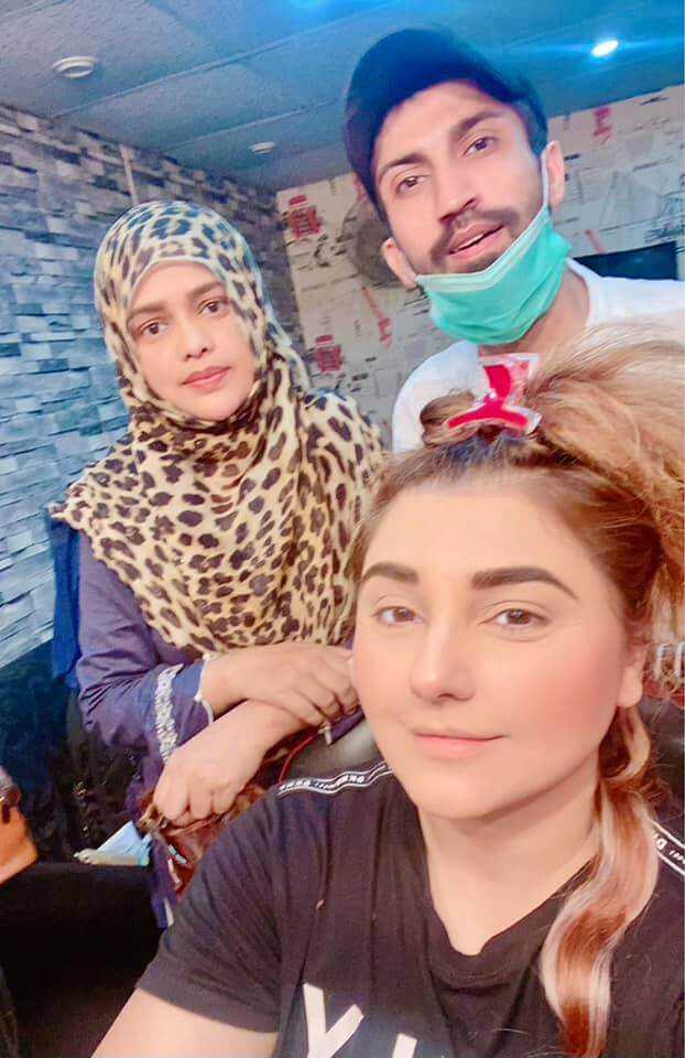 Javeria Saud new hairstyle (8)