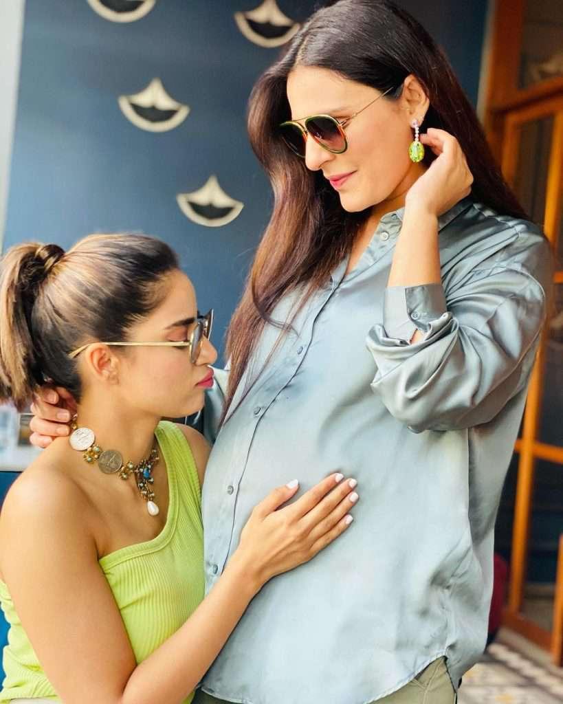 Sadia Ghaffar's Baby Shower (5)