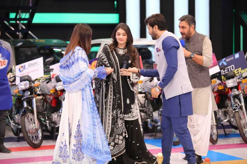 dur e fishan and ushna shah at jeeto pakistan show (6)