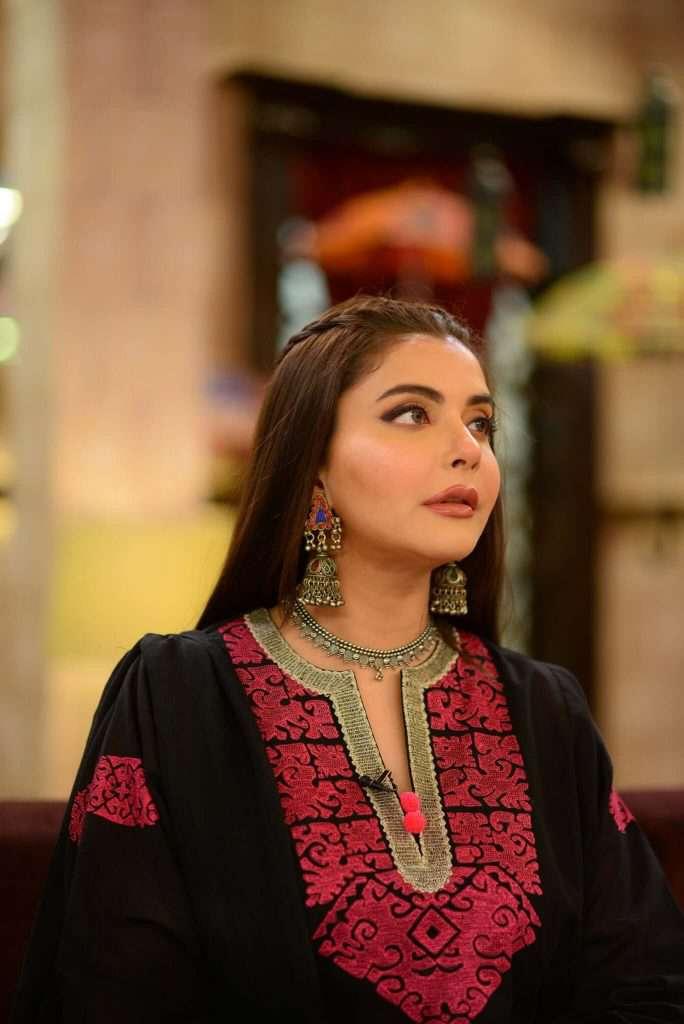 nida-yasir-looks-stunning-in-balochi-dress (6)