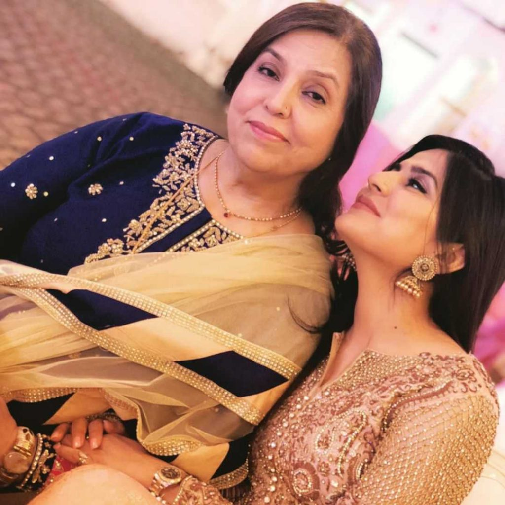 sanam baloch with her mother in law