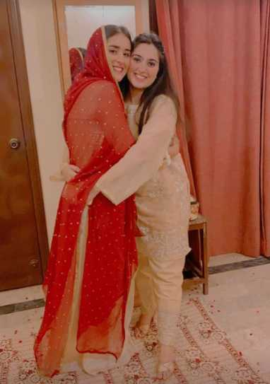 shehzeen rahat with her sister in-law
