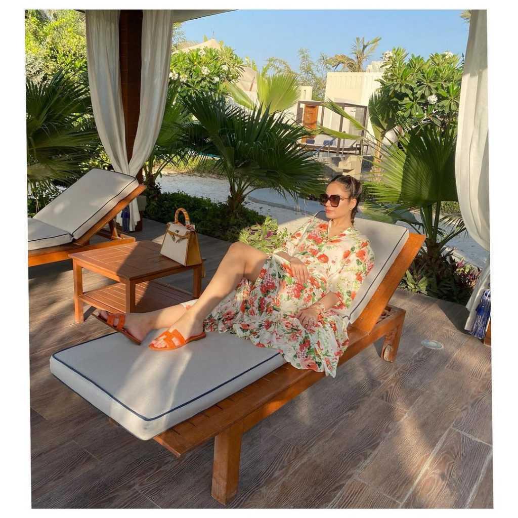 Alyzeh Gabol Beach Party (10)