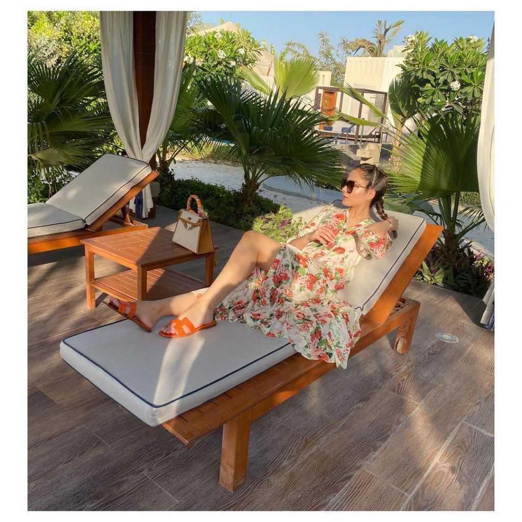 Alyzeh Gabol Beach Party (31)
