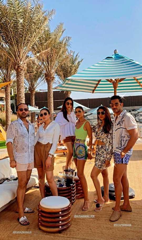 Alyzeh Gabol Beach Party (4)
