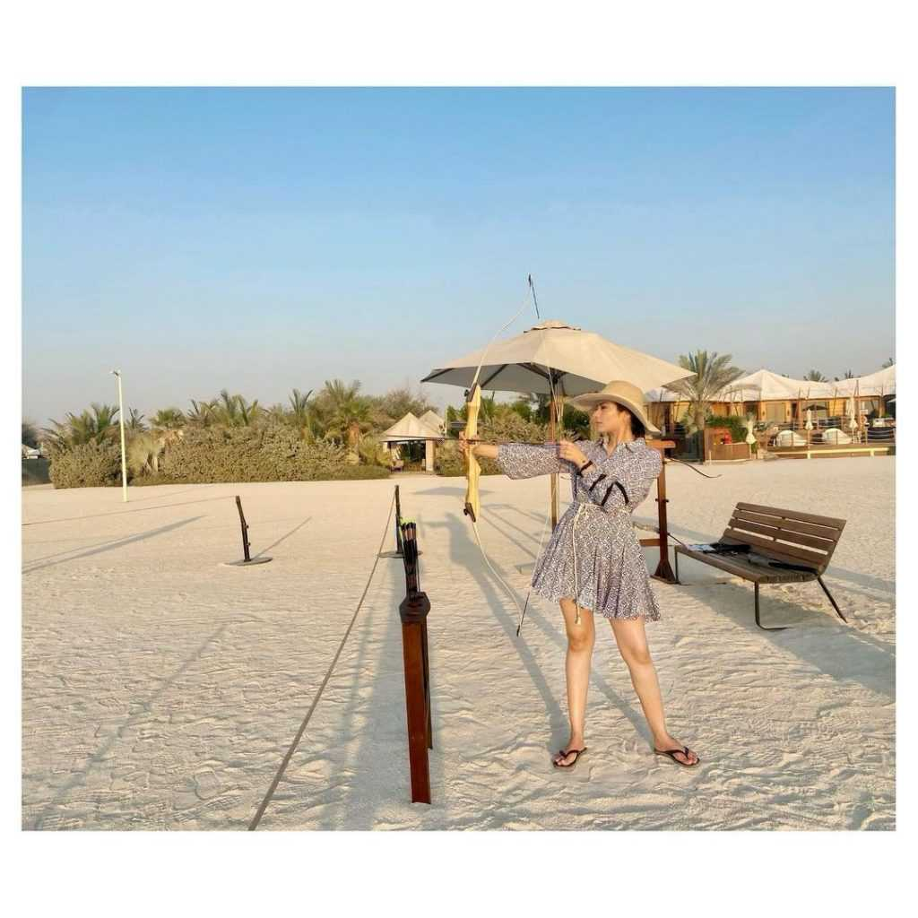 Alyzeh Gabol Beach Party (8)