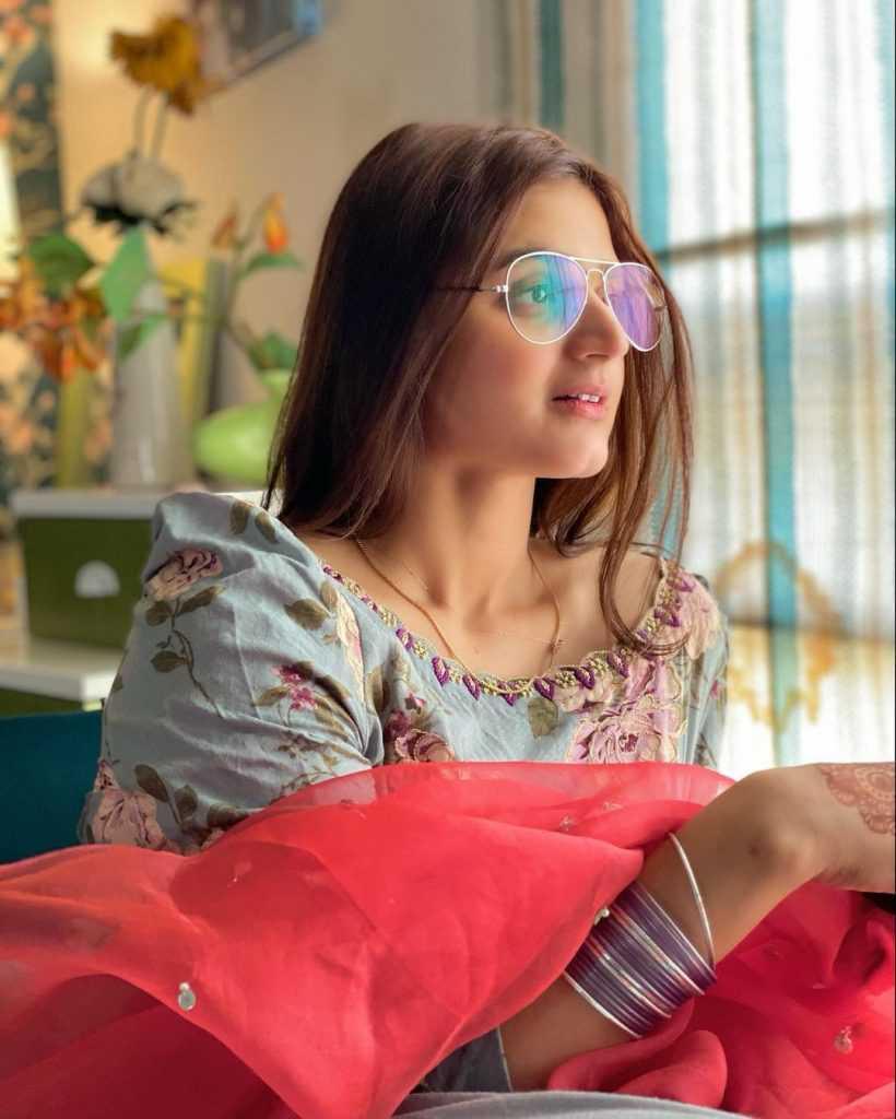 Pakistani-actresses-eid-pics-first-day-of-eid-ul-fitr-2021 (21)