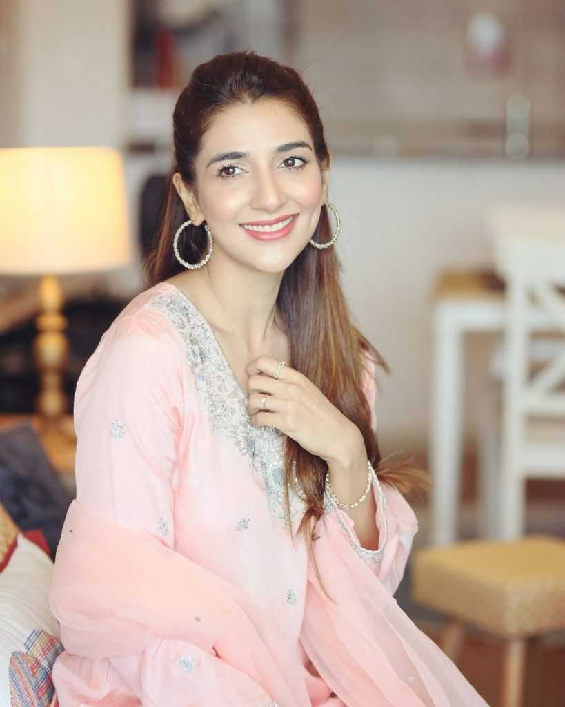 Pakistani-actresses-eid-pics-first-day-of-eid-ul-fitr-2021 (25)