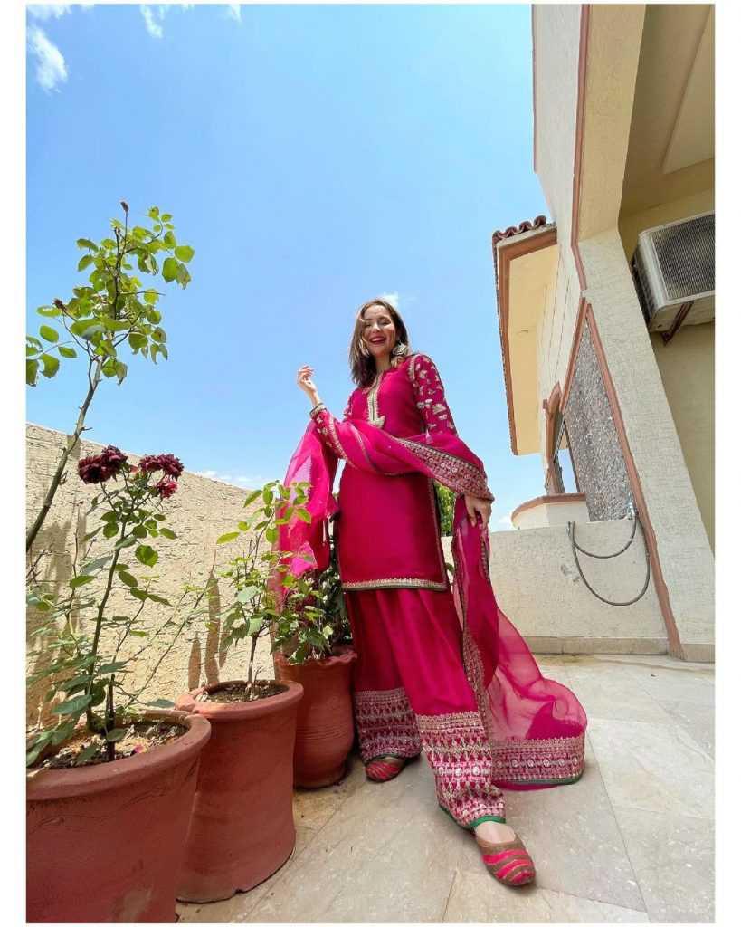 Pakistani-actresses-eid-pics-first-day-of-eid-ul-fitr-2021 (28)