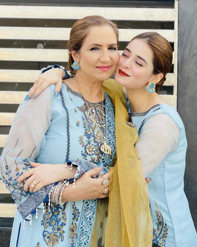 Pakistani-actresses-eid-pics-first-day-of-eid-ul-fitr-2021 (5)