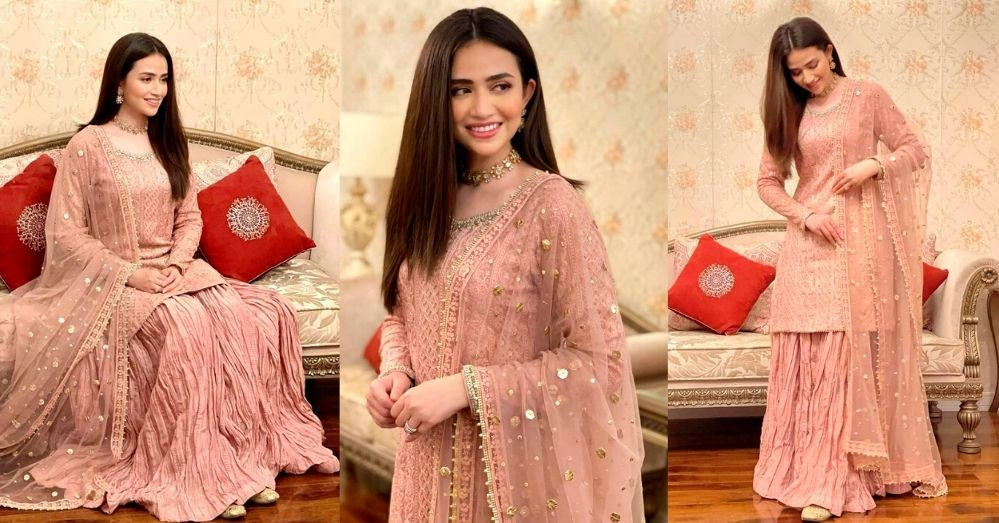 Sana Javed Made A Stunning Photoshoot In Pink Dress