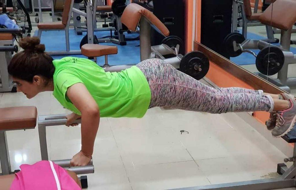 aliya-ali-looking-bold-ln-gym-outfits