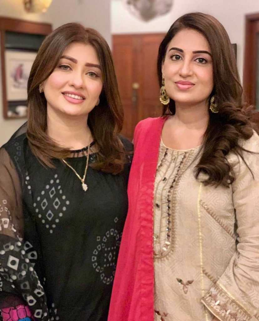 farah-iqrar-latest-pics-with-her-friends (4)