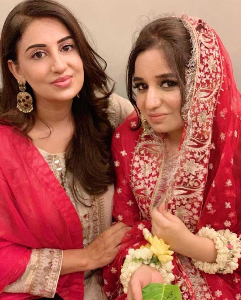 farah-iqrar-latest-pics-with-her-friends (6)