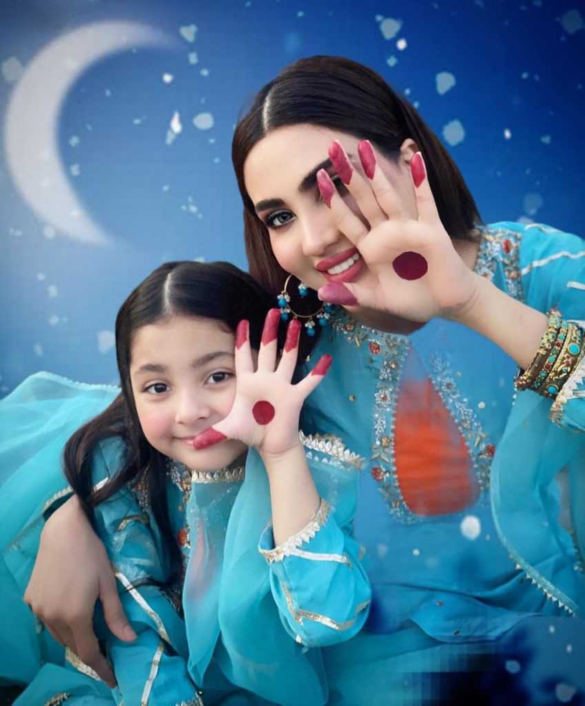 fiza-ali-with-her-daughter-new-pictures (4)