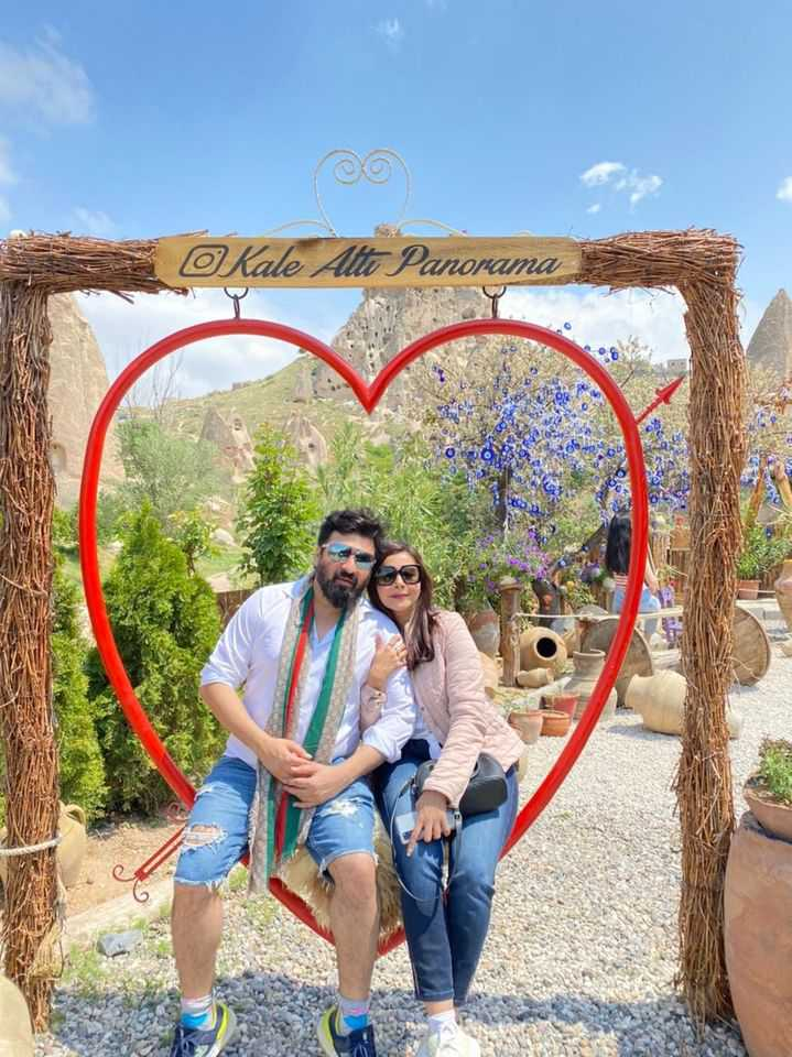 Beautiful Pictures Of Nida Yasir with Husband From Turkey (7)