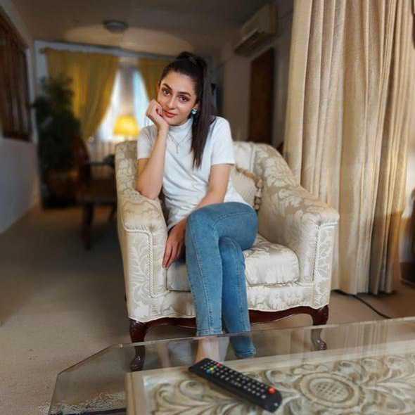 actress Hina Chaudhry