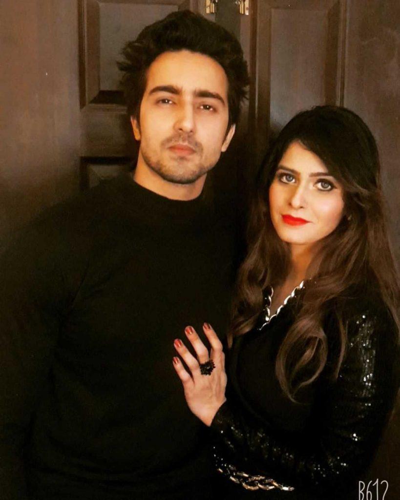 faraz-farooqi-with-his-wife