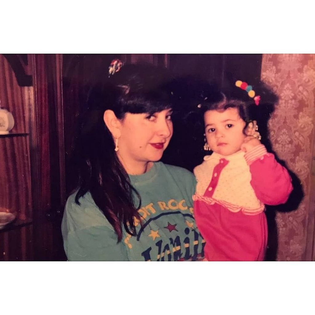 sabeena syed with her mother